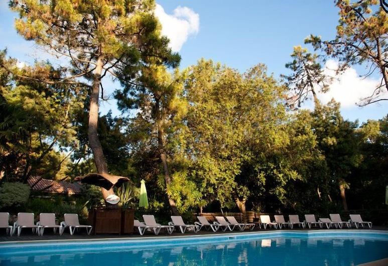 Le Bois Saint Martin, Saint-Martin-de-Re, Outdoor Pool
