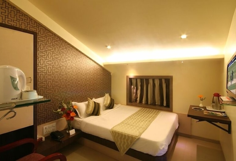 Hotel Gold Coast , Mumbai, Standard Double Room, 1 Double Bed, Guest Room View