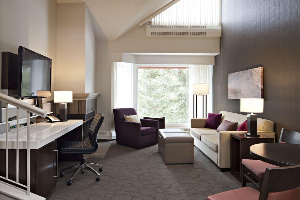 Loft, 1King-Bett und Schlafsofa, 2 Bäder (Bi-Level Loft Suite) - Wohnbereich