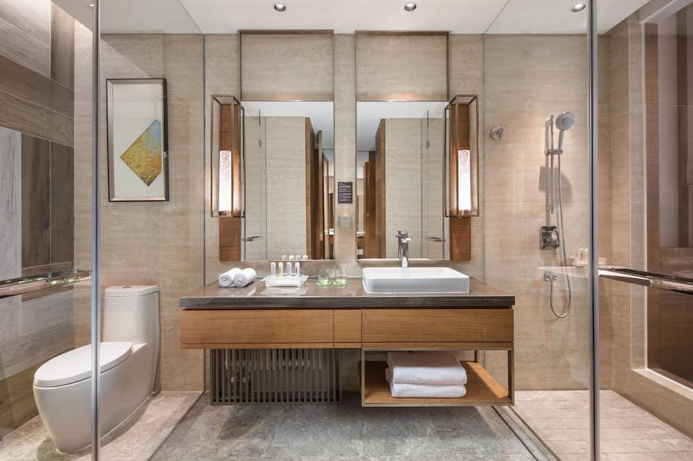 Pagerinto tipo kambarys, 2 viengulės lovos - Vonios kambarys