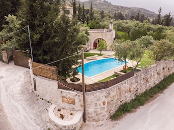 Picture of Villa Aloni-traditional Stone Villa With Nice View,pool and Garden in Apokoronas