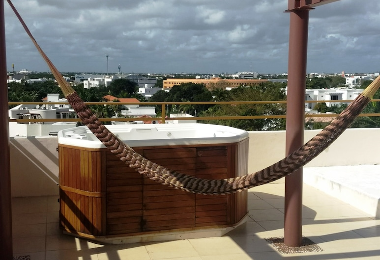 Casa Blanca PH by TA, Cancun, Outdoor Spa Tub