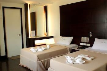 15 Closest Hotels to Araneta Center-Cubao LRT Station in