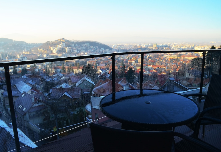 山丘住宅飯店, 布拉索夫, 豪華頂樓客房, 1 間臥室, 城市景觀, 陽台