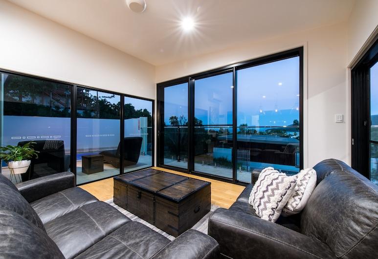 Bundaleer Home, Pantai Airlie , Executive Room, 3 Bedrooms, Ruang Tamu