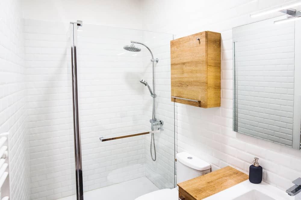 City Double Room, Shared Bathroom (LGC habitat chambre 3) - Bathroom