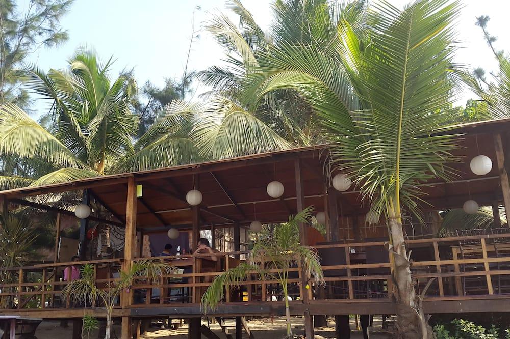 Goan Cafe N Resort, Morjim