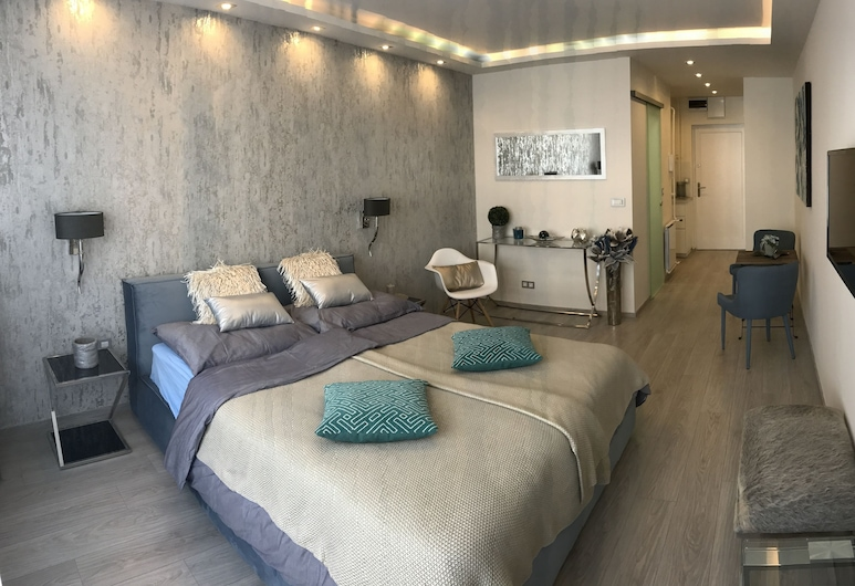 Dfive Apartments - Danube Corso, Budapest, Danube Corso Boutique Apartment, Gästrum