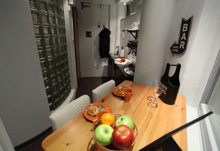Dfive Apartments - Peaceful, Budapeszt, Studio Classic, Wyżywienie w pokoju