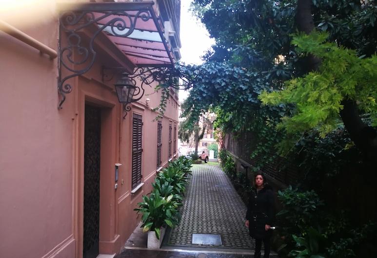 特拉斯提弗奢華別墅酒店, 羅馬, 住宿正面