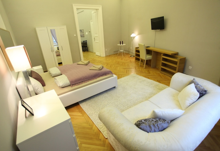 Dfive Apartments - Zichy, Budapest, Classic Luxury at Basilica, Rum