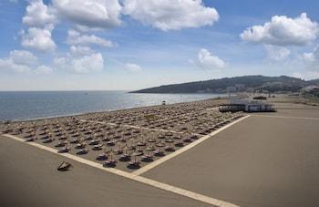 Фото The Long Beach Hotel Montenegro - All Inclusive у місті Улцинь