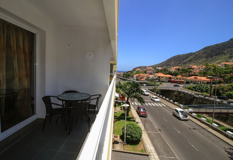 Luis Place Machico by Analodges, Machico