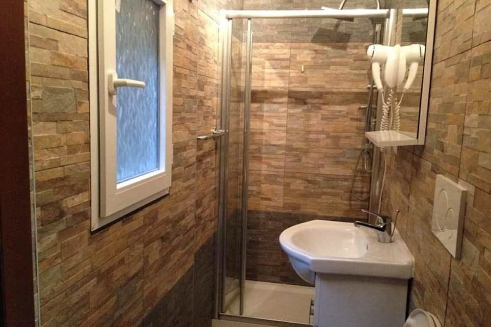 Kamar Quadruple, kamar mandi pribadi - Kamar mandi