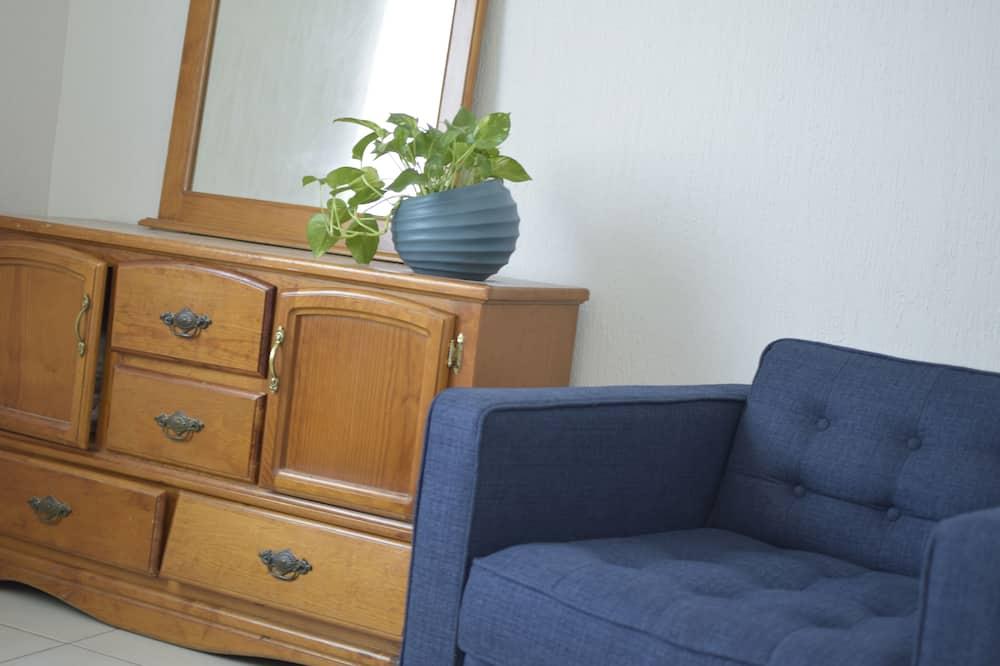 Family Condo, 2 Bedrooms, Kitchen, Corner - Living Area