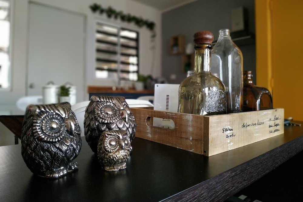Family Condo, 2 Bedrooms, Kitchen, Corner - In-Room Dining