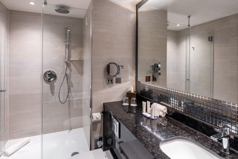 Izba, 1 extra veľké dvojlôžko, bezbariérová izba (Mobil Roll In Shwr) - Kúpeľňa
