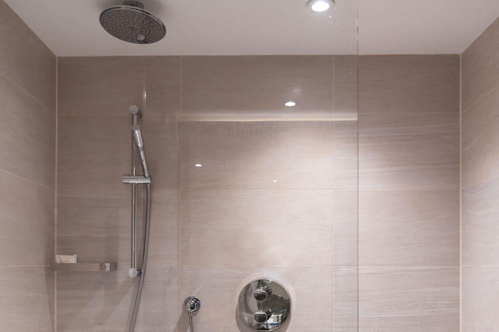 Izba typu Business, 1 extra veľké dvojlôžko - Kúpeľňa