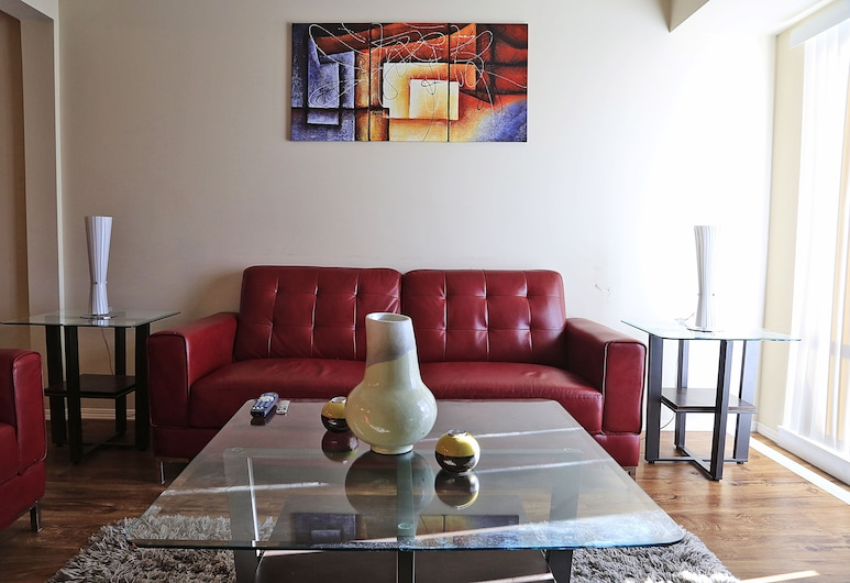 Vibrant Flat 10 min drive downtown, Saskatoon, Condominio urbano, 2 habitaciones, Sala de estar
