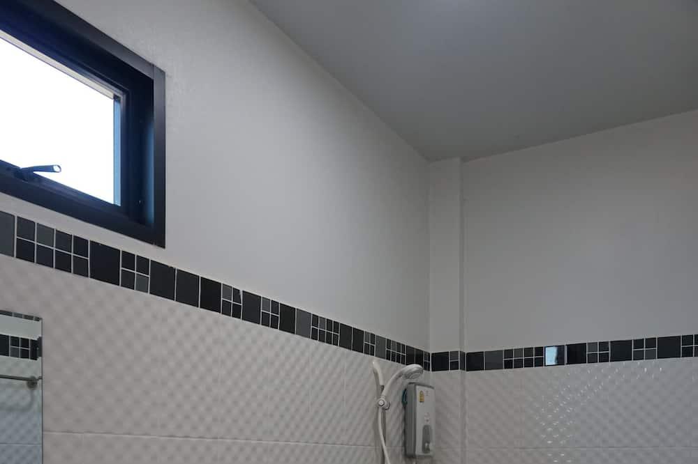 Poilsio namelis - Vonios kambarys