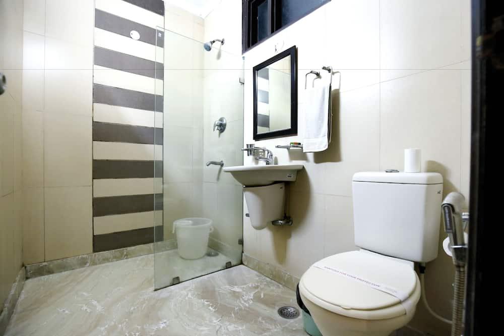 Dvivietis kambarys verslo klientams, 1 standartinė dvigulė lova - Vonios kambarys