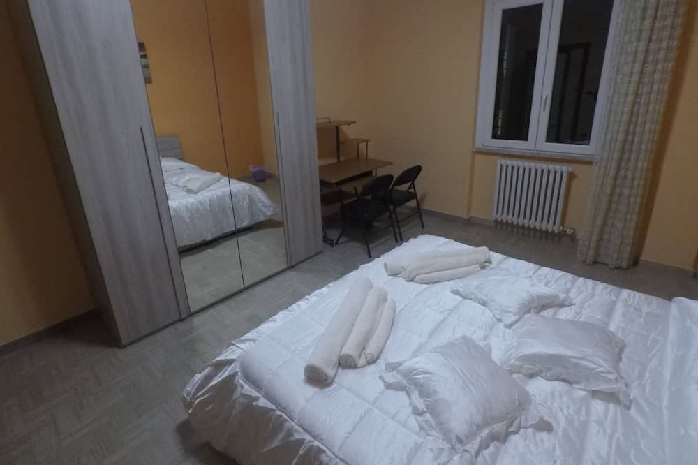 Kahden hengen huone, Oma kylpyhuone - Vierashuone