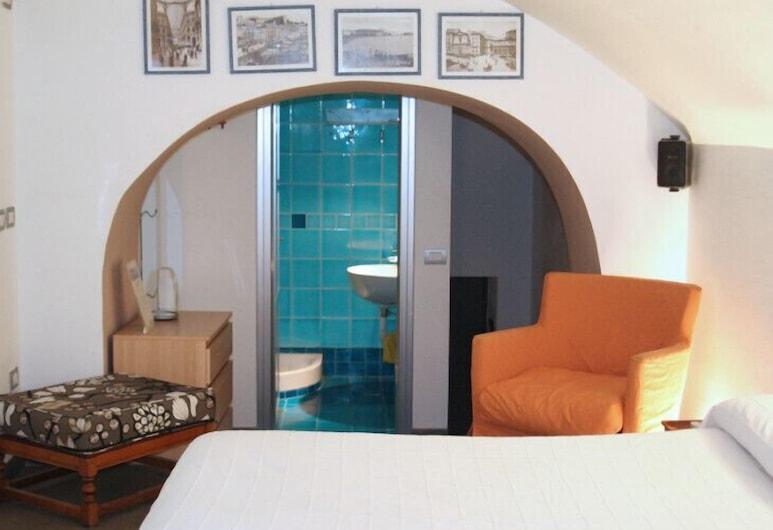 卡塞特酒店, 那不勒斯, 基本樓中樓客房, 露台, 客房