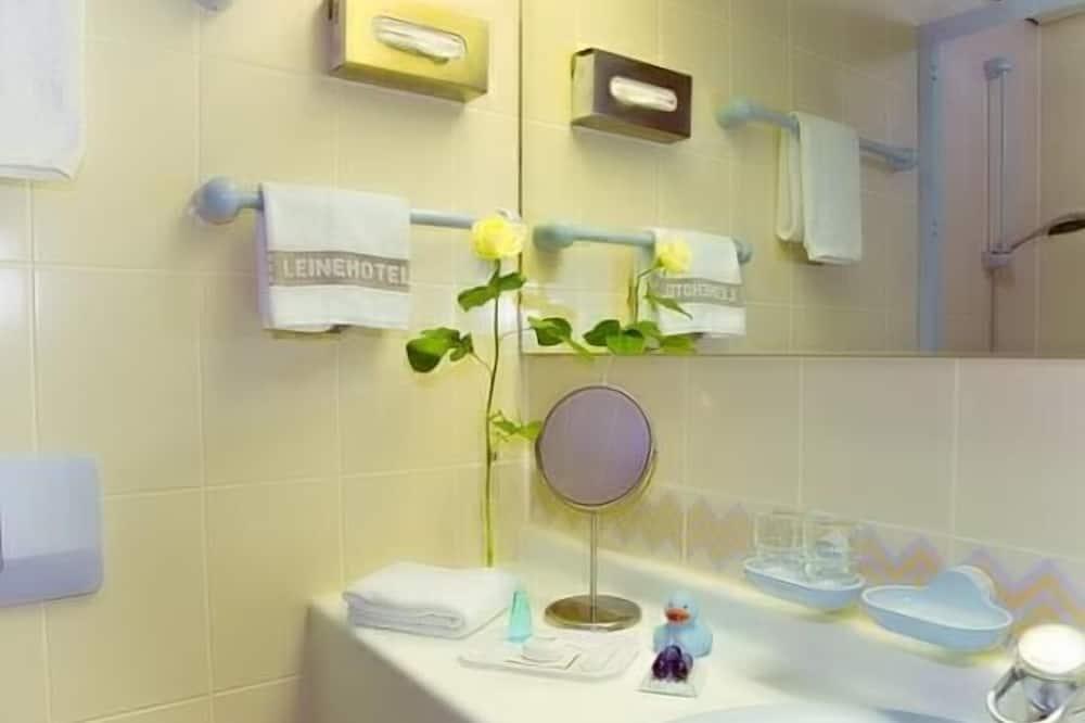 Jednolůžkový pokoj typu Superior - Koupelna