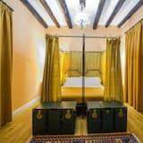 Kambarys (1 dvigulė / 2 viengulės lovos) - Svečių kambarys