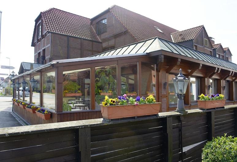Hotel Restaurant zur Linde, Pattensen, Terraza o patio