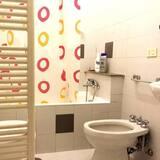 غرفة مزدوجة - بحمام مشترك - حمّام