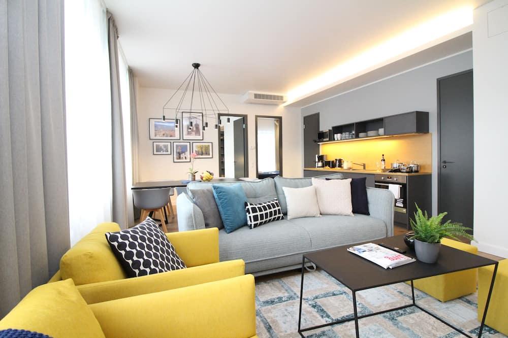 Apartmán typu Superior, 3 spálne, 2 kúpeľne, výhľad na mesto - Obývačka