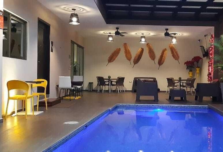 Hotel Remfort, Santa Ana, Välibassein