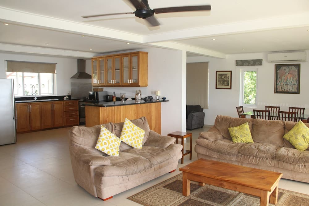 Deluxe Villa, 3 Bedrooms, Ocean View - Ruang Tamu