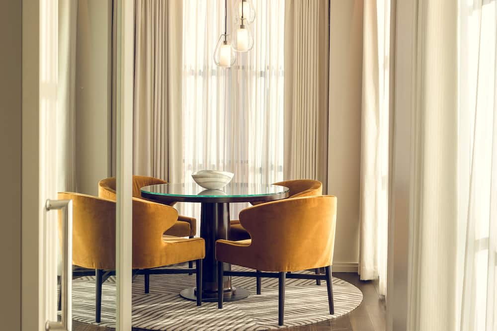 Suite (Novel) - Living Area