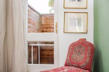 Picture of Fantastic 1Bed Apartment with Private Garden in London