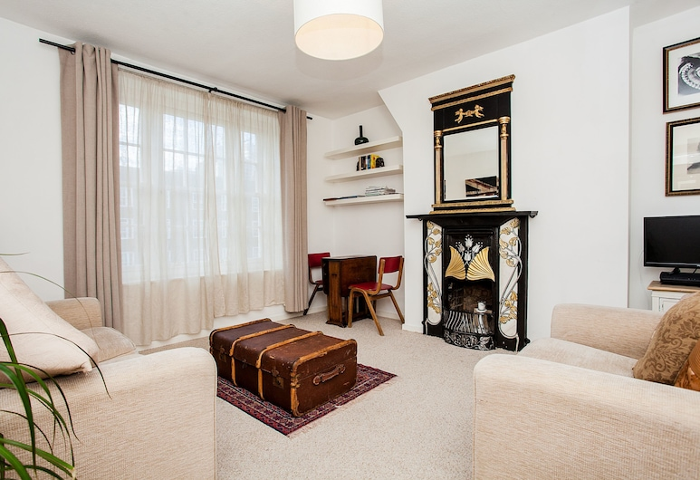 Stylish One Bedroom Flat in Vauxhall, London, Wohnbereich