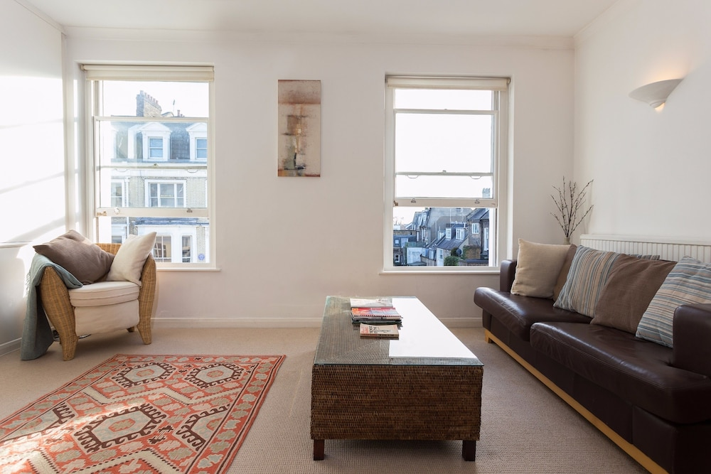 Book 1 Bedroom Apartment in Notting Hill Accommodates 2 in London ...