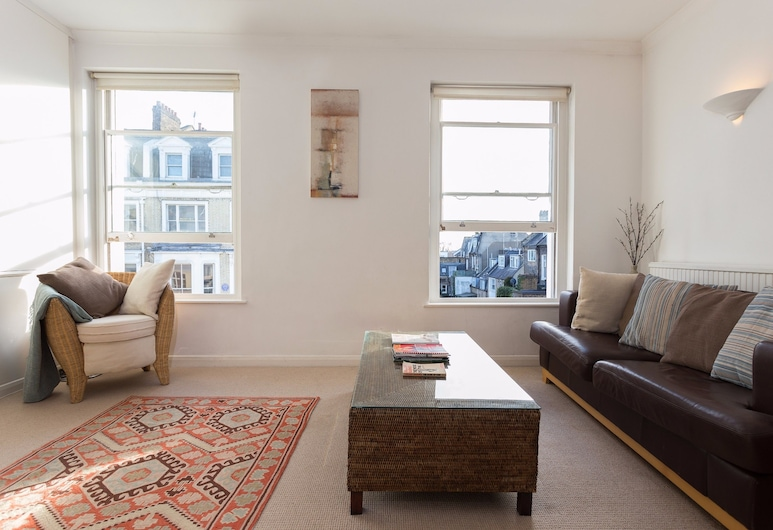 1 Bedroom Apartment in Notting Hill Accommodates 2, London
