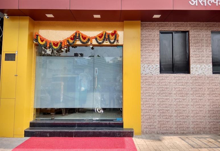 Asalpha Dormitory, Bombay, Otel Girişi