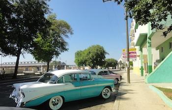 Picture of Alameda De Paula in Havana