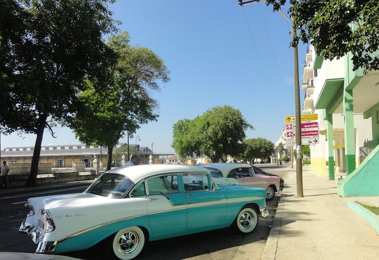 Alameda De Paula, Havana, Front of property