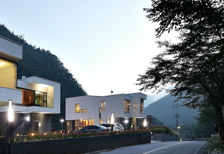 Frame House, Yeongwol