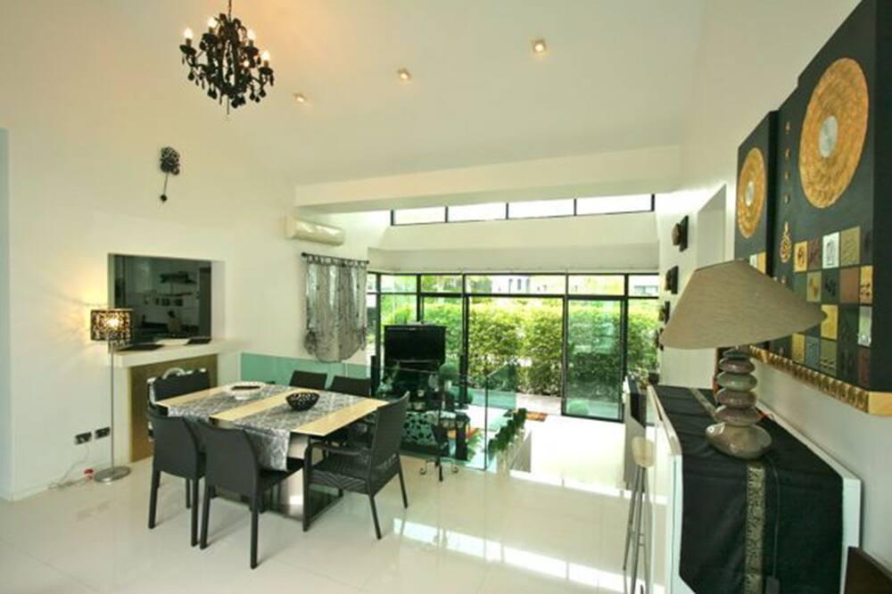 3 Bedrooms Pool Villa  - Odada Yemek Servisi