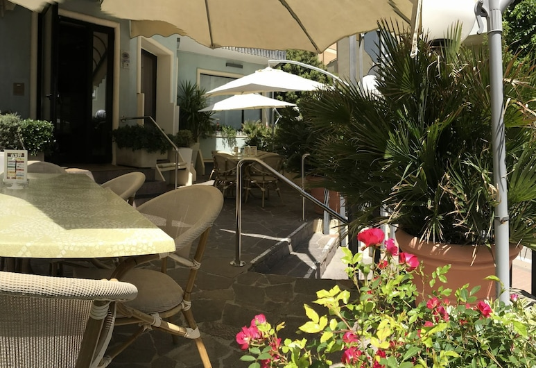 Hotel Arpa, Rimini, Terrace/Patio