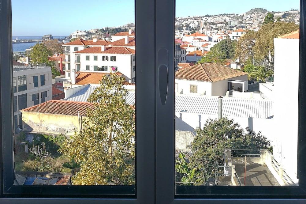 Улучшенные апартаменты, 1 спальня, мини-кухня - Вид из номера