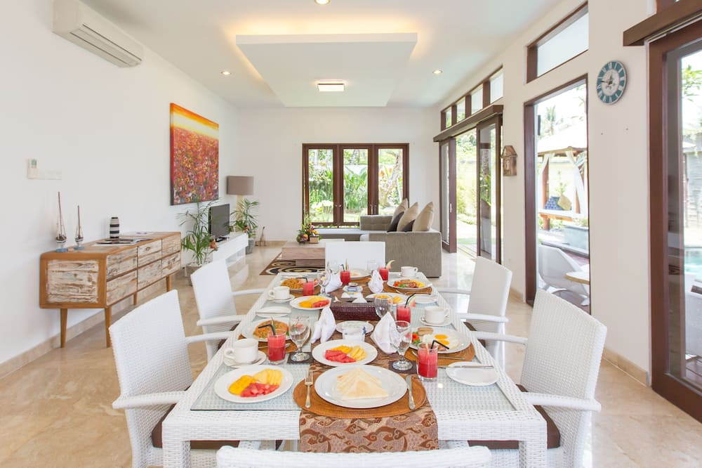 Villa, 3 Bedrooms, Private Pool, Garden View - In-Room Dining