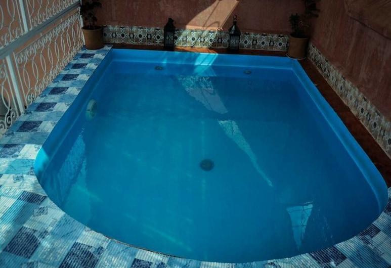 Riad Mon Grigri, Marrakech, Lauko baseinas