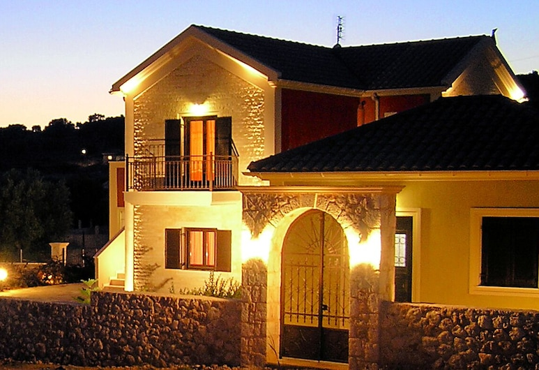 Kefalos Apartment, Kefalonia, Front of property - evening