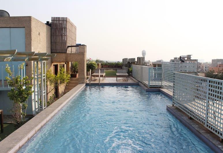 OYO 2457 Hotel Zambala, Yeni Delhi, Açık Yüzme Havuzu